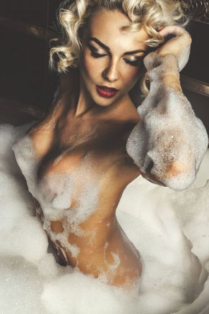 amateur photo Bubbly blonde