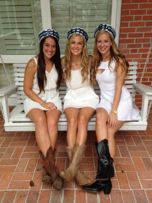 Three sisters Porn Photo