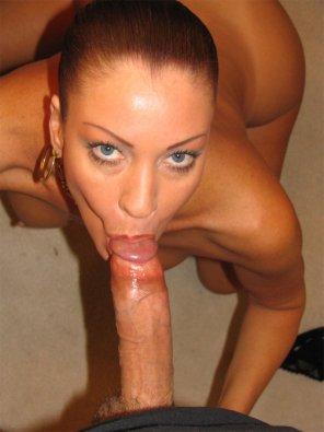 amateur photo sucking cock