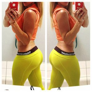 amateur photo Yellow pants