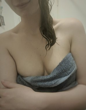 amateur photo My hair isnt the only wet thing right now ;)