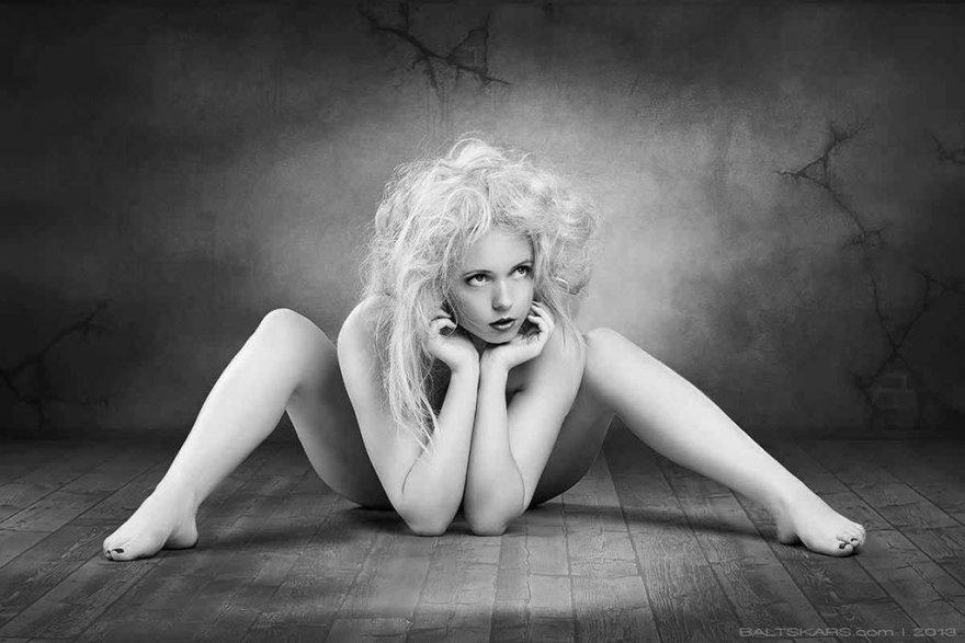 Utthita Padmasana - Yoga pose Porn Photo