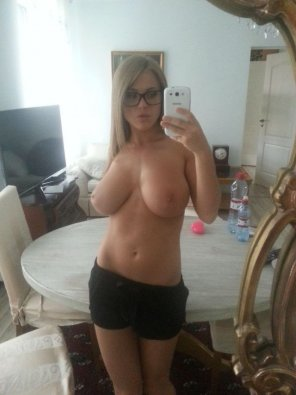 amateur photo Topless Treasure