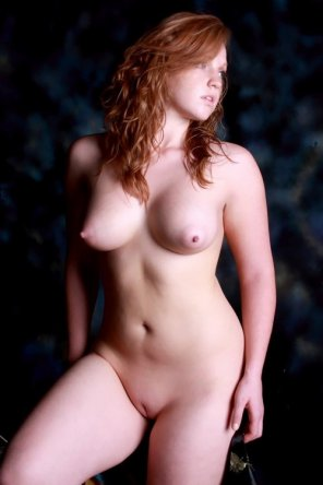 amateur photo Curvy beauty