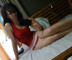 amateur photo Shapely brunette
