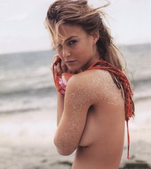 amateur photo Bar Refaeli.