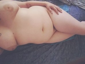 amateur photo It's been a while so here are my freshly showered curves.