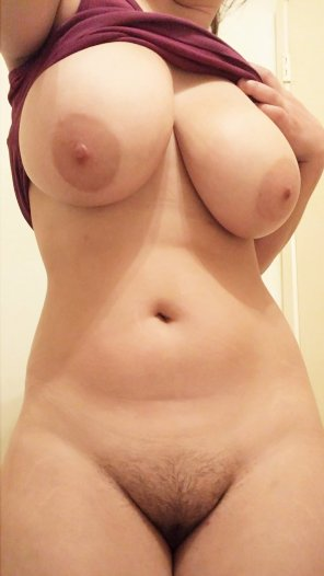amateur photo [F] Watch my cute Tits and cum over me! SC: maywillis5