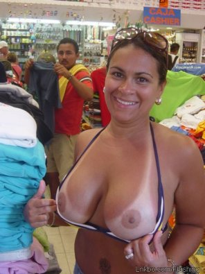 amateur photo Strong tanlines out in public