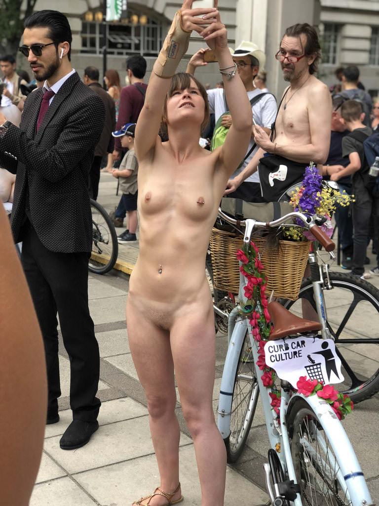 naked girl selfie exposed