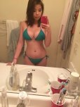 amateur photo Asian girl in bikini