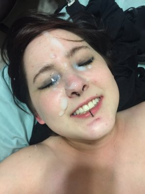 amateur photo Goth girl get facial