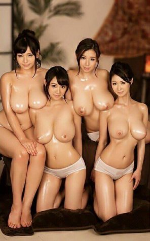 amateur photo 4 incredibly juicy babes