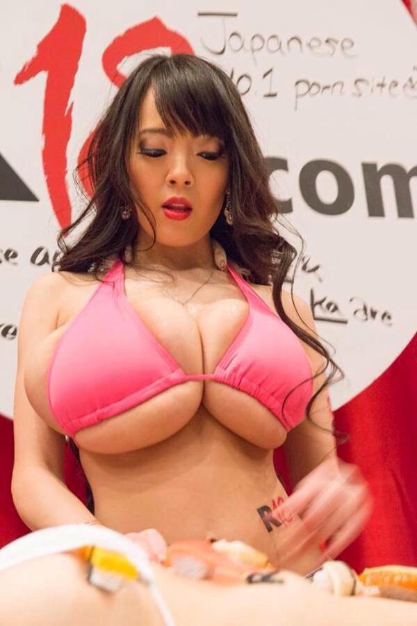 Hitomi tanaka anal bikini blowjobs