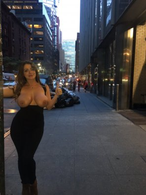amateur photo Sophie Dee in NYC