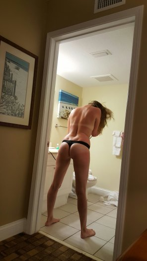 amateur photo bathroom tan lines