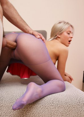 amateur photo Through pantyhose