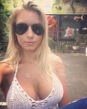 amateur photo Blonde Stunner