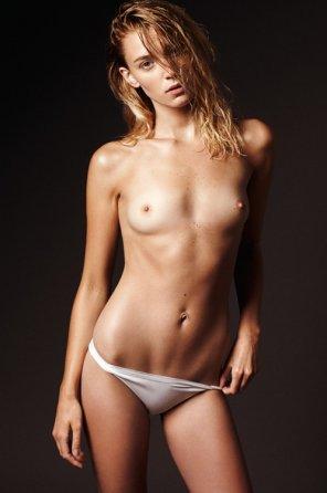 amateur photo Tiny tits - NSFW