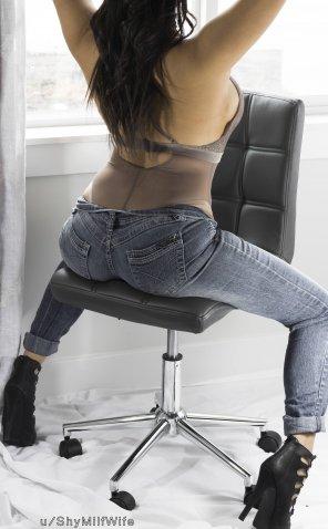 amateur photo That ass → Those jeans [Contest]