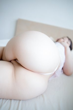 amateur photo Beautifully soft, pale booty
