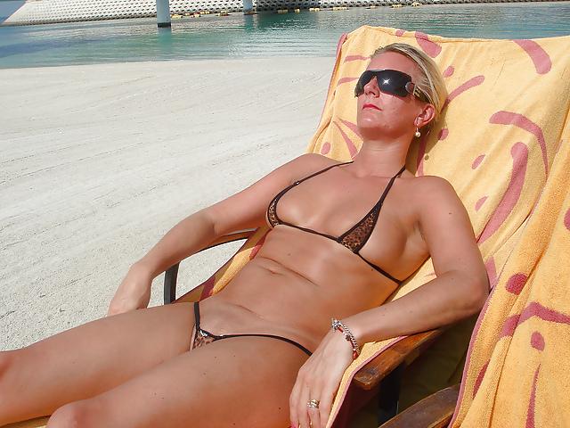 Hot cougars in bikinis