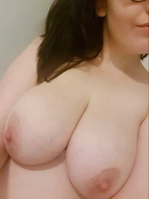 amateur photo Anyone want to come snuggle up to these tonight? [image]