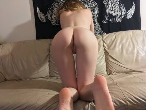 amateur photo [f]rom behind is preffered