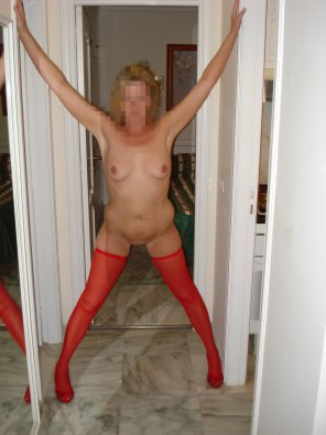 amateur photo Amateur wife in stockings and heels. Pose 2