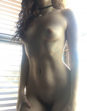 amateur photo my naked body in the morning light ☀️