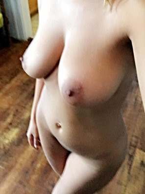 amateur photo Guess my size?