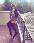 amateur photo Cute brunette wearing yoga pants