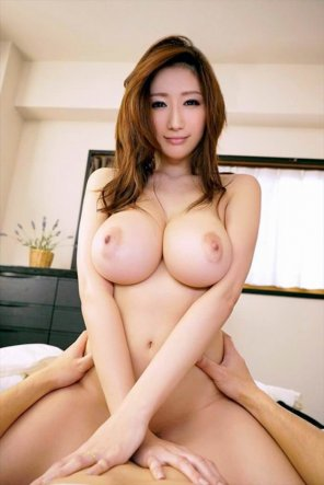 amateur photo Asian on top