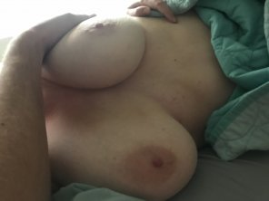 amateur photo [image] Lazy day, lonely until my guy gets home!