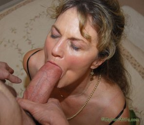 amateur photo Hot milf enjoying a fat one