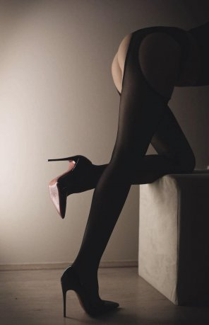 amateur photo High heels and stockings [f]