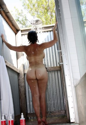 amateur photo Outside shower
