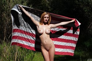amateur photo Ashlee Hills and the Flag