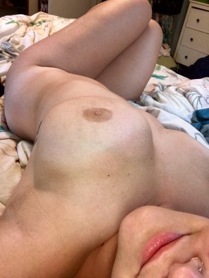 amateur photo come back to bed [f]