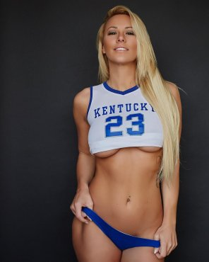 amateur photo Kindly Myers