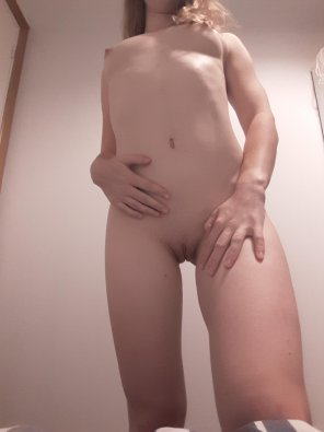 amateur photo Original ContentTouch my body