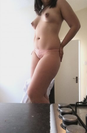 amateur photo Playing around our kitchen. l'm hungry. Can I eat you? [F]