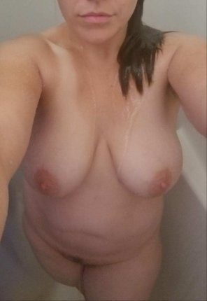amateur photo [oc] [f36] full frontal Friday! I love that my phone is water proof!