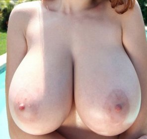 amateur photo Huge Boobs