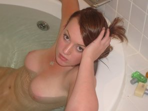 amateur photo Time for a bath