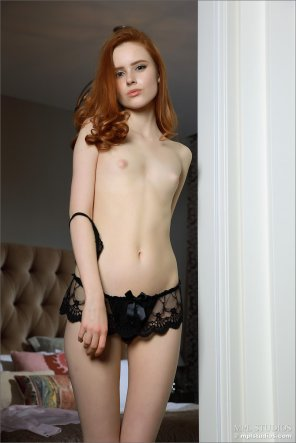 amateur photo Red Hair, Pink Nips