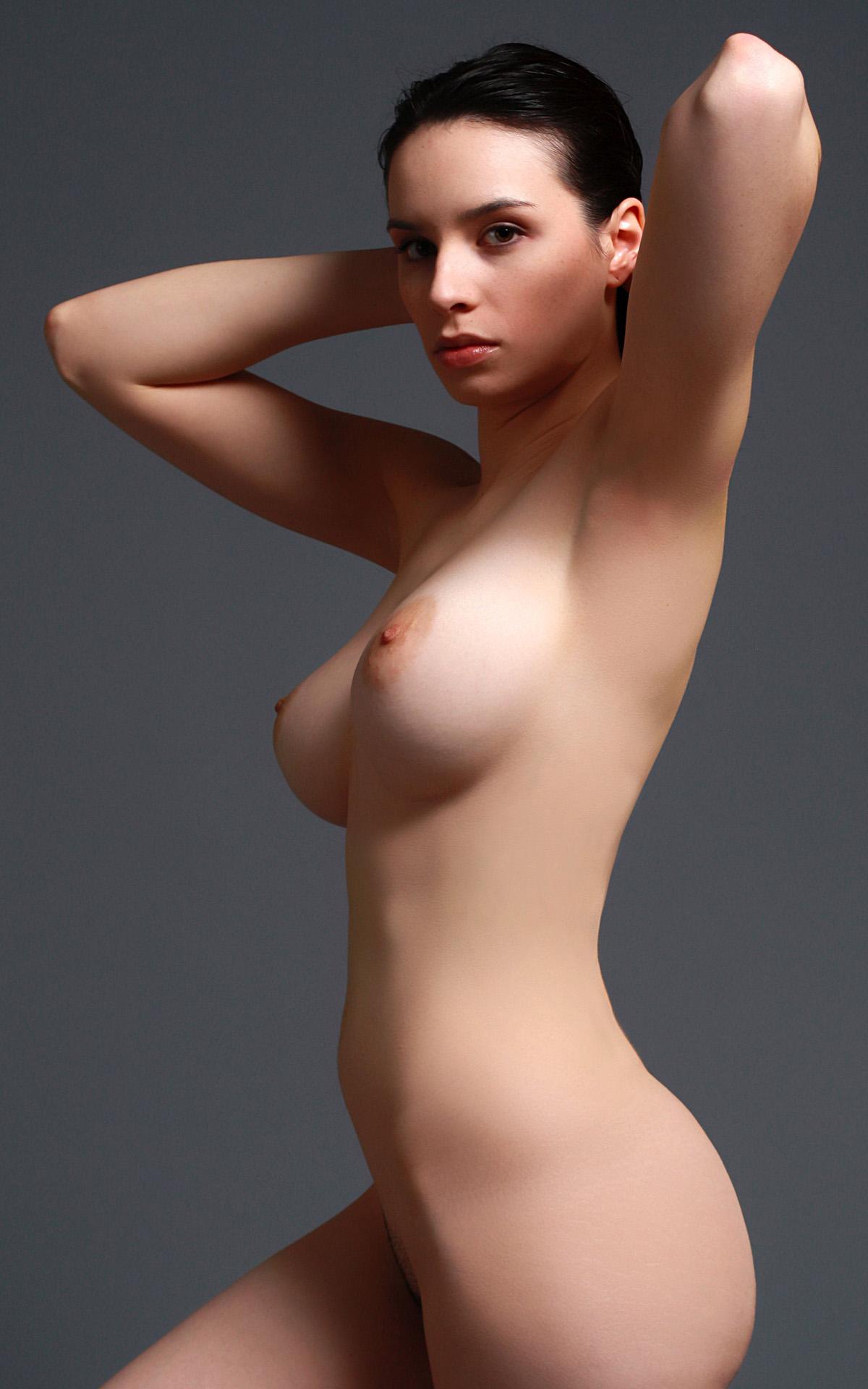 Veiw tits side