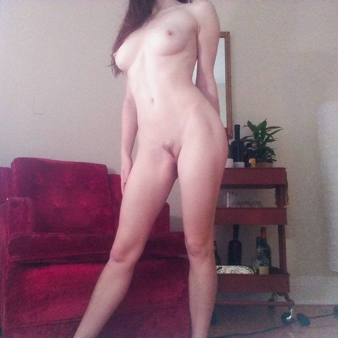 """Your little 5'2"""" ray of sunshine on this cloudy winter afternoon ☼ How can I brighten your day? Porn Photo"""