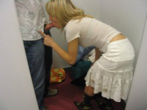 amateur photo A Quick BJ In The Changing Room