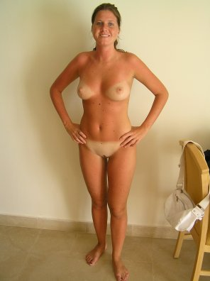 amateur photo Milf tanlines